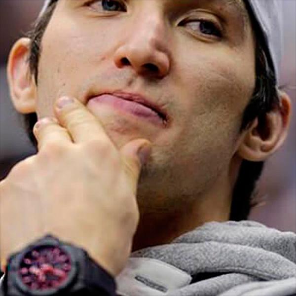 Какие часы носит звезда хоккея Александр Овечкин?