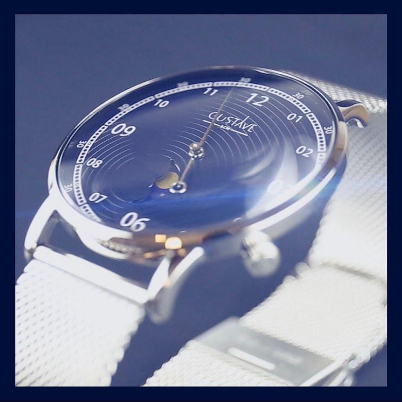 Часы для путешествия с Земли на Луну от бренда Gustave